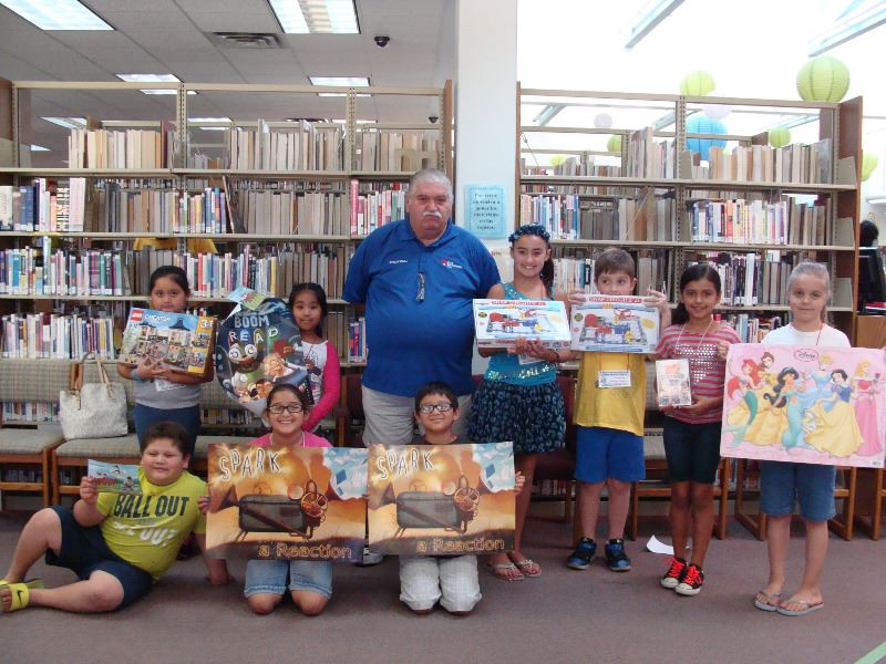 Mayor White with Summer Reading Winners 2016