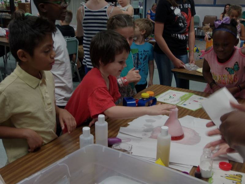 Science experiment at TinkerLab